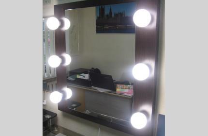 """Зеркало для нанесения макияжа """"ДСП Венге"""""""