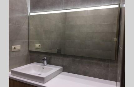 Большое зеркало для ванны с подсветкой