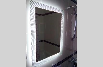 """Зеркало """"Полоски""""  со светодиодной подсветкой"""