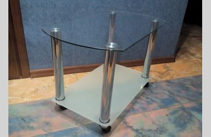 Журнальный (кофейный) столик из стекла