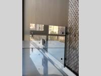Скинали из прозрачного стекла